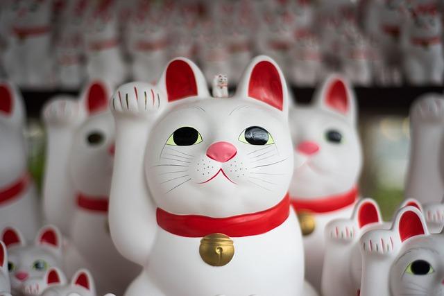 soška japonské kočky Maneki Neko